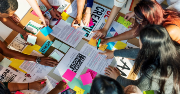 Escola de Design Thinking: porque você precisa passar por essa experiência?